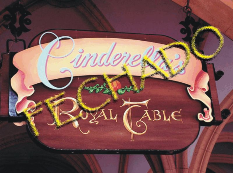 Cinderella Royal Table Fechado
