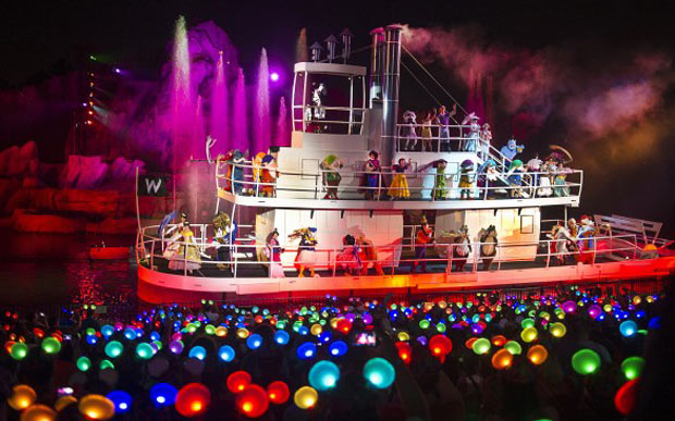 IndoParaDisney - Glow with the Show