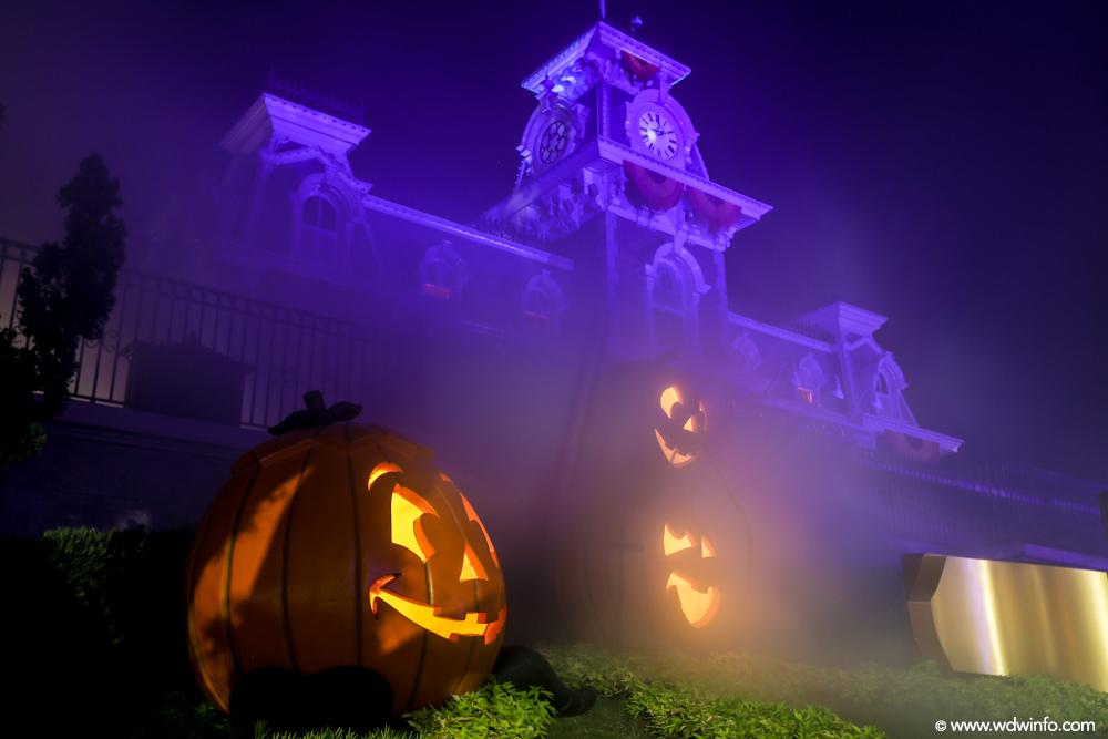 Mickeys-Not-So-Scary-Halloween-Party-20
