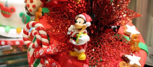 Minie's Holiday Dine - Decoração