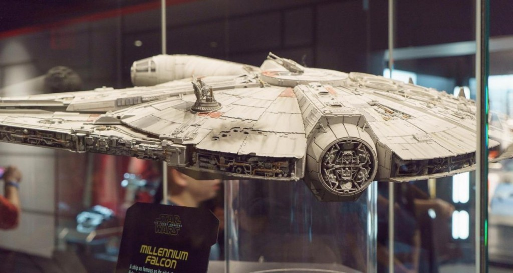 Star Wars Launch Bay - Millennium Falcon