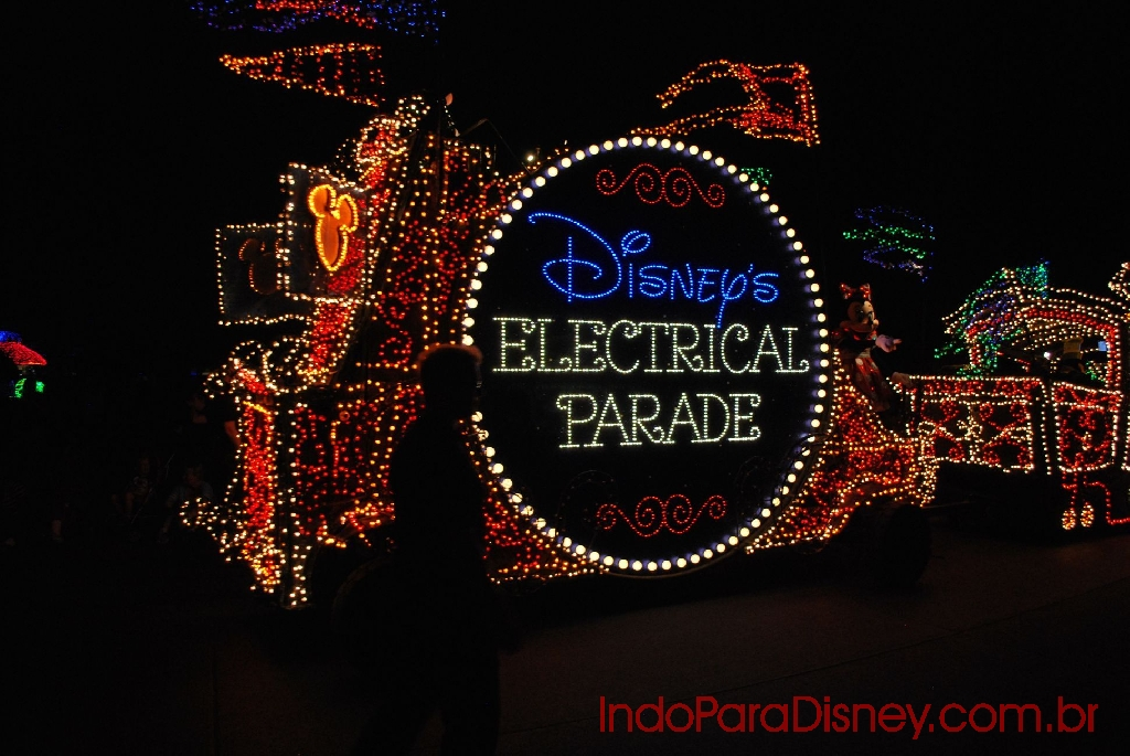 main-street-electrical-parade-b